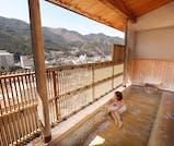 冬の下呂温泉で、土曜日限定の花火大会を楽しむ旅
