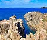 断崖絶壁からの絶景を楽しみ、温泉に癒される福井・あわら温泉の旅