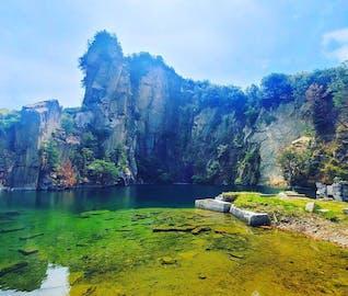 瀬戸内海に浮かぶ北木島でゆったり過ごし、受け継がれる技術に触れる旅